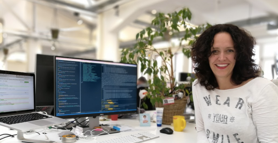 Woman became a developer and is now happy